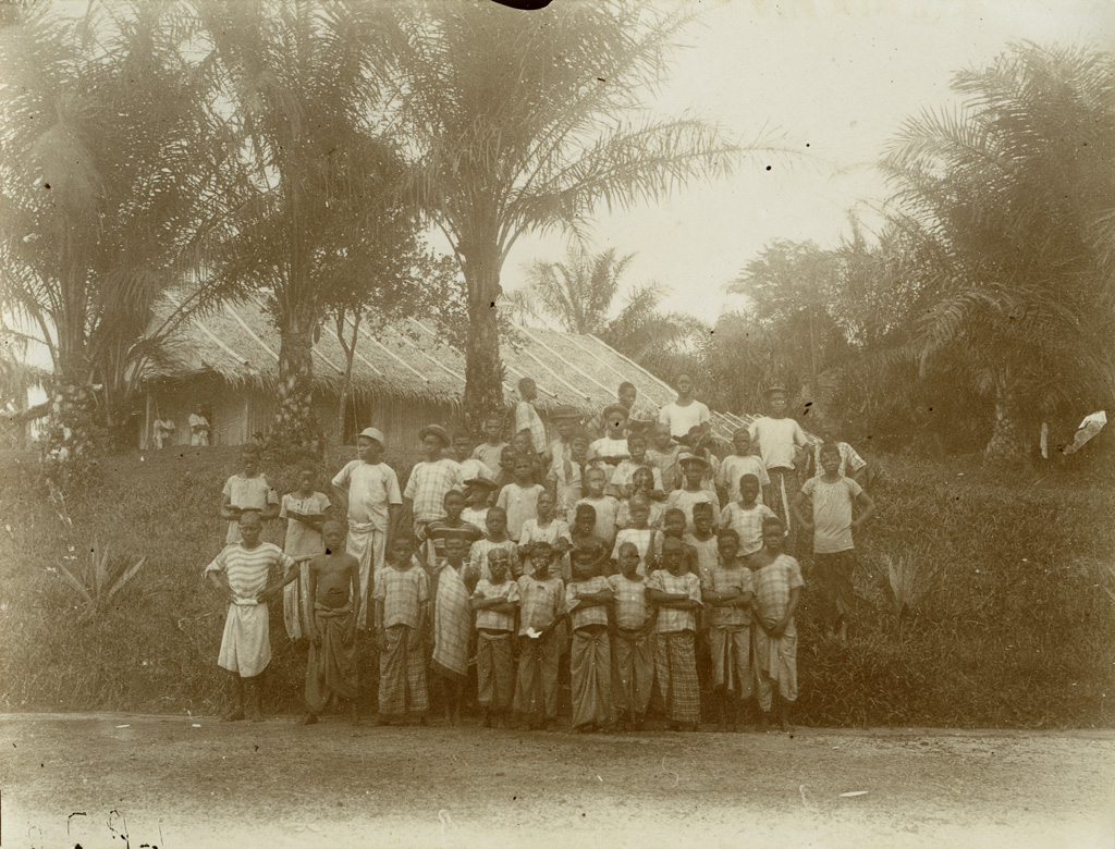 Enfants de l'Ecole de la mission