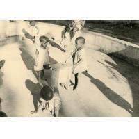 Enfants de la pouponnière, orphelinat de Bangangté