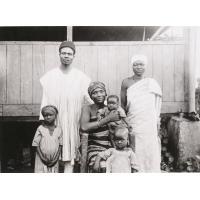 Evangéliste de Foumban (Mosé Muishe) et sa famille