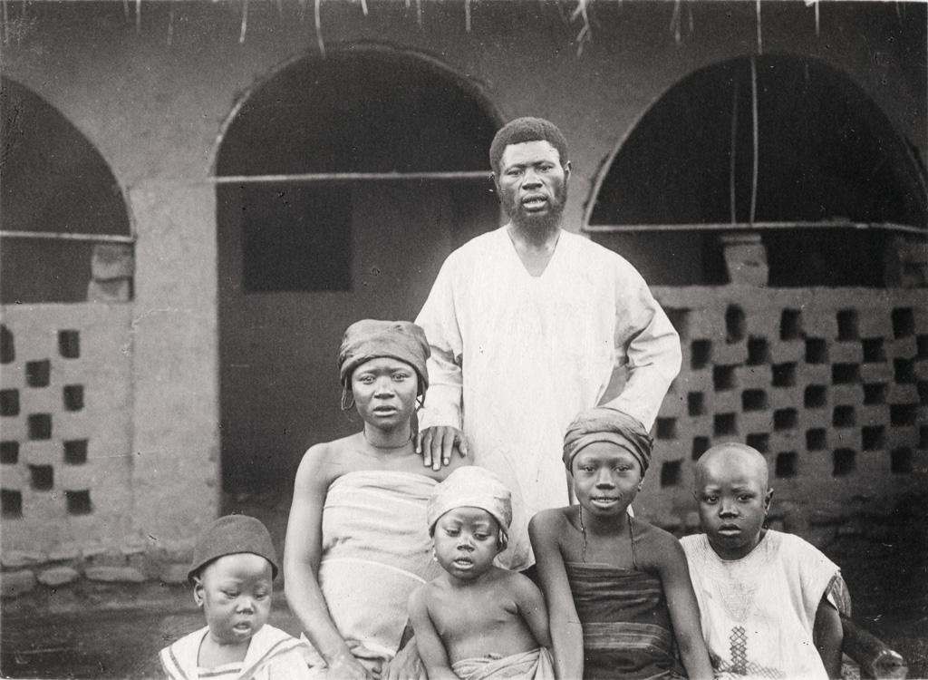 Evangéliste de Foumban (Mosé Mumbeket) et sa famille