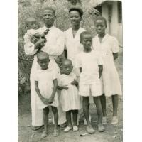 Famille A. Wora