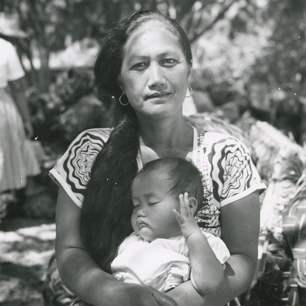 Femme avec enfant / Molet ([s.d.])