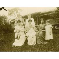 [Femmes missionnaires au Gabon]