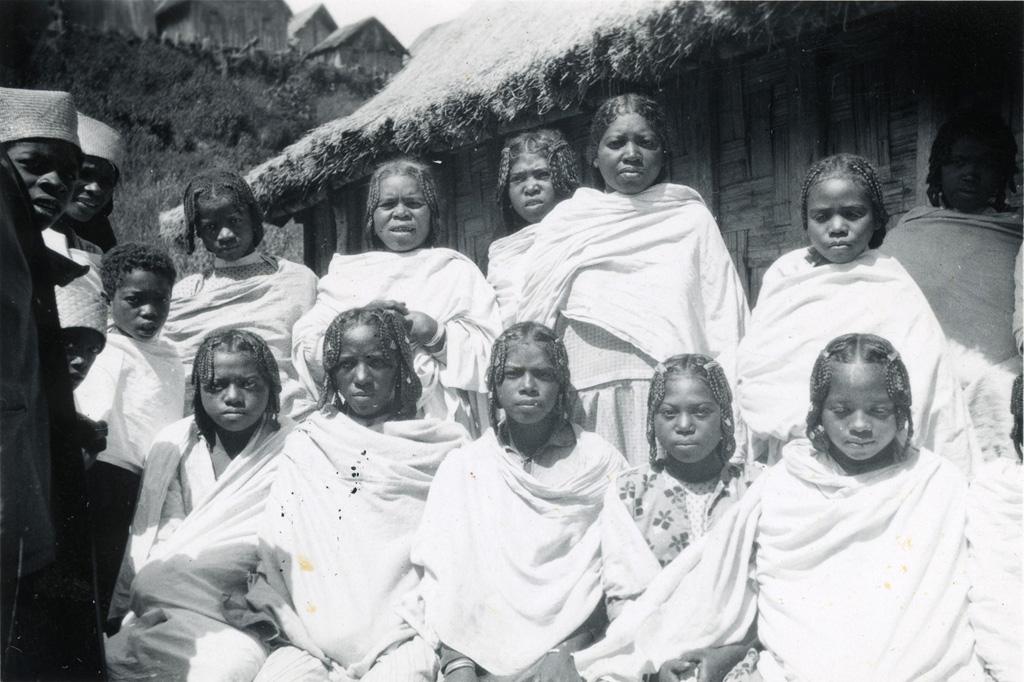 Femmes tanala, forêt à l'est du Betsiléo
