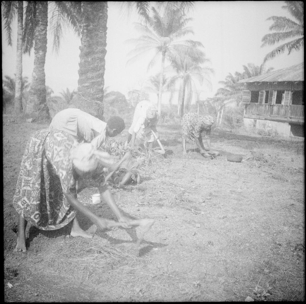 [Femmes] / Galland (circa 1950)