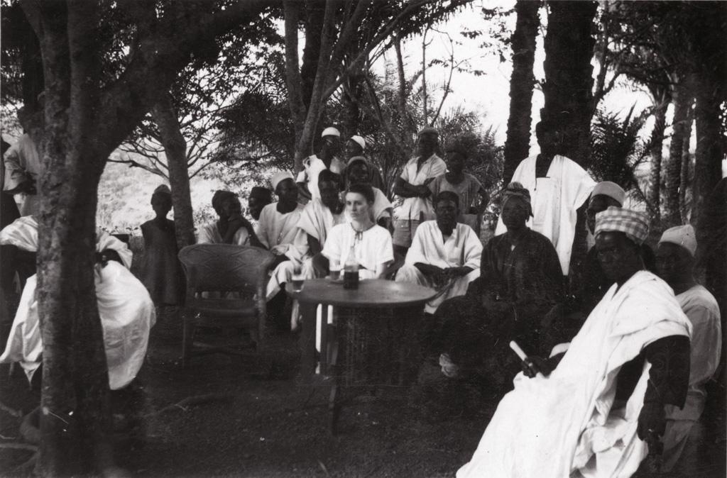 Foumban, quelques invités à un mariage musulman