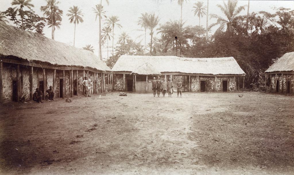 Gîte d'étape près de Foumban sur la route de Ngambe