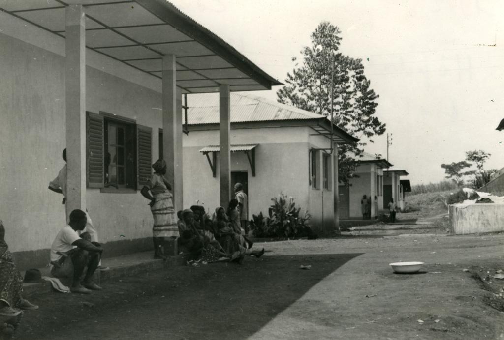 Hôpital de Ndoungue, l'alignement des pavillons