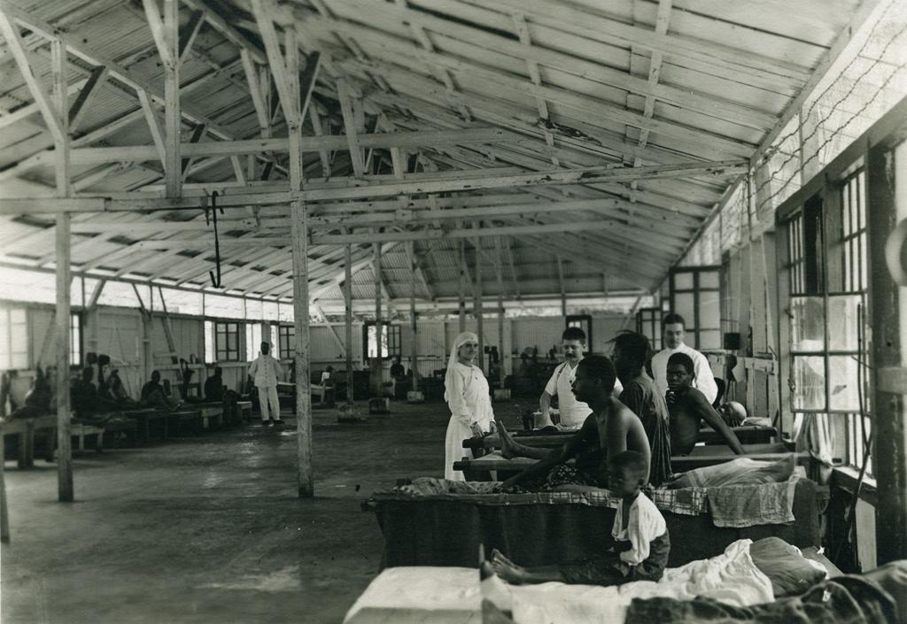 Hôpital indigène, salle des malades indigènes