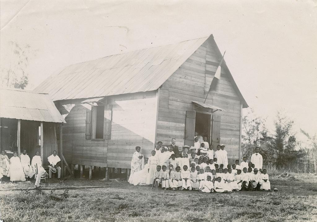 Inauguration de l'école de Tamatave