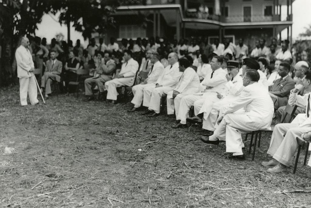 Inauguration de la maison des jeunes de Libreville / Pierre Seidenbinder (1955-01-21)