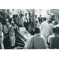 Inauguration de la pierre tombale de mademoiselle Bonhotal