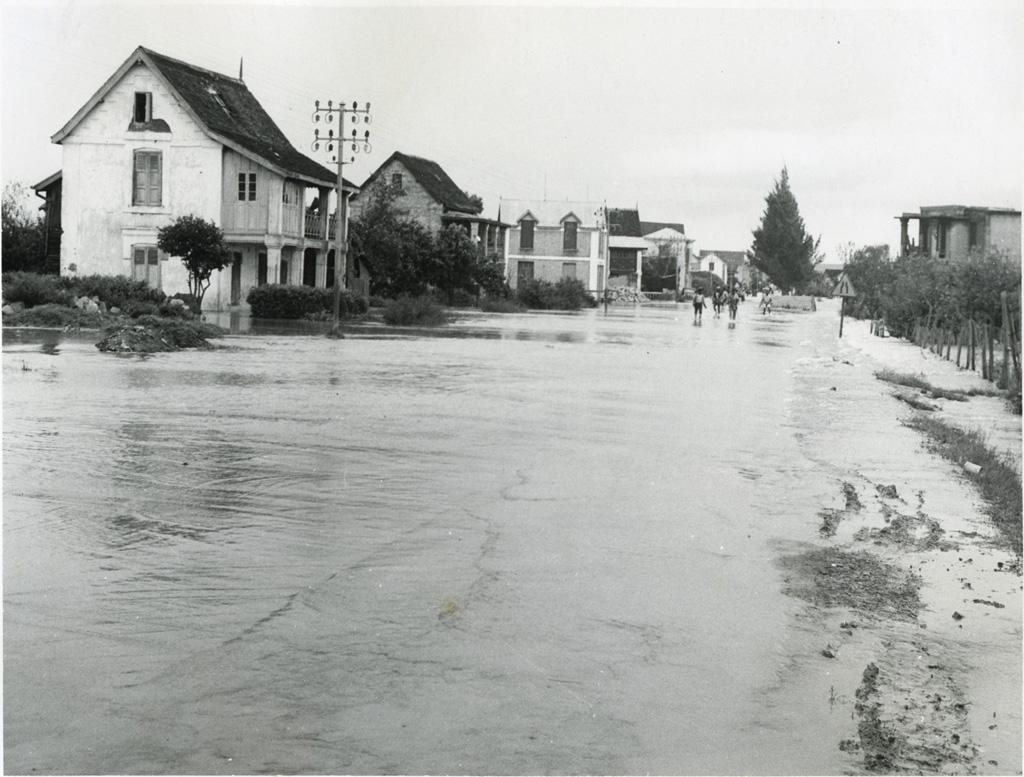 Inondations sur la route