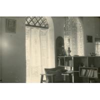 Intérieur de la case de M. et Mme Stoecklin à Oyem