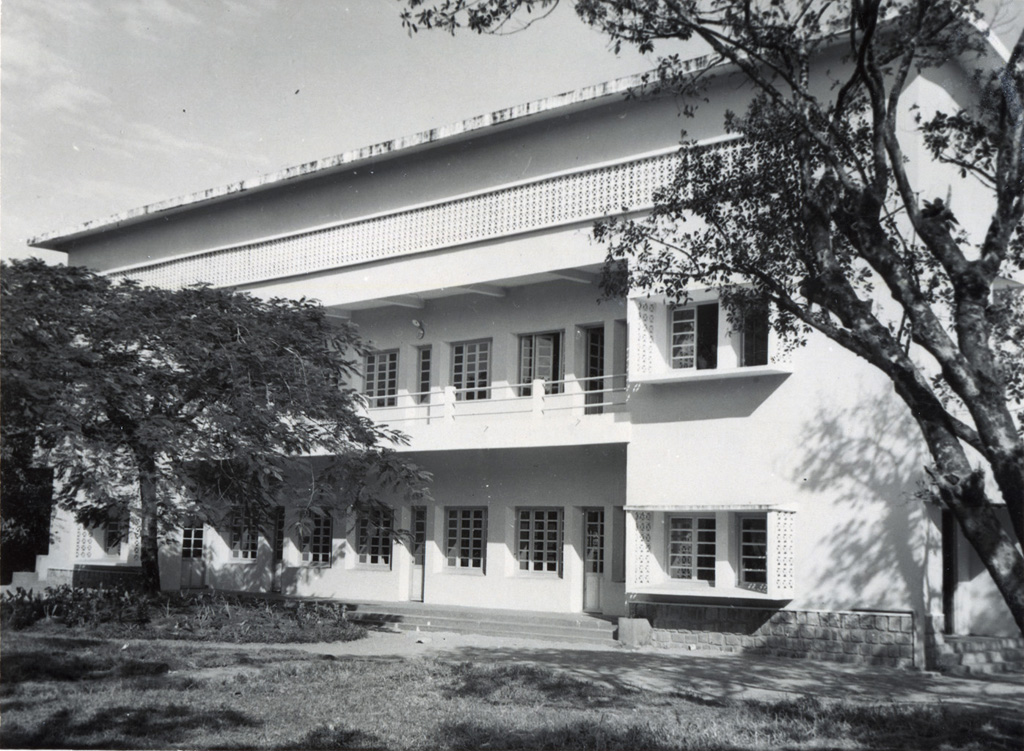 Internat de filles inauguré le 25 mars 1956