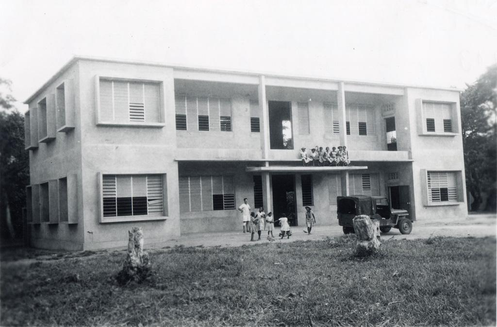 Internat de garçons d'Antalaha inauguré le 25 octobre 1958