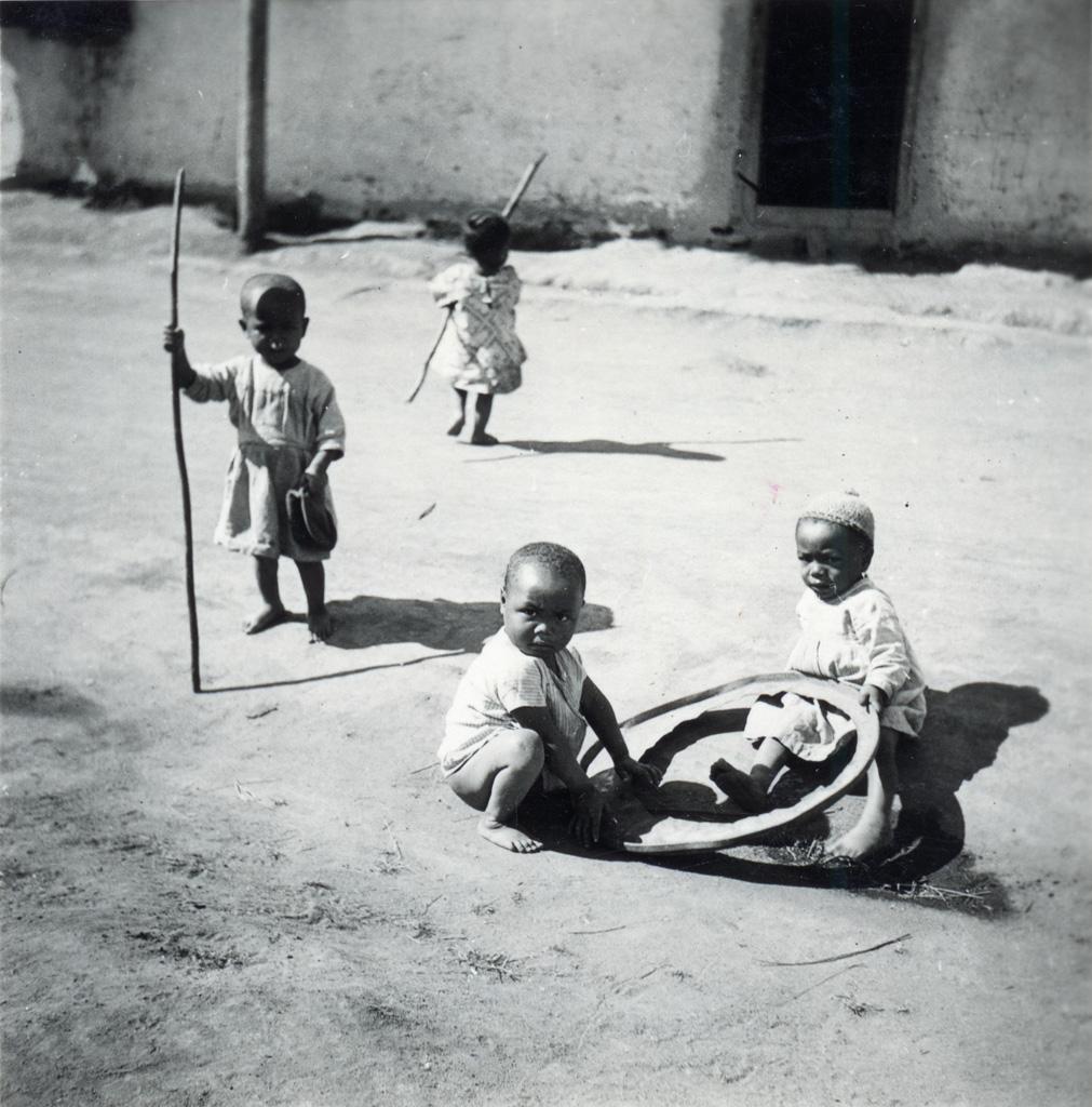 Jeunes enfants malgaches
