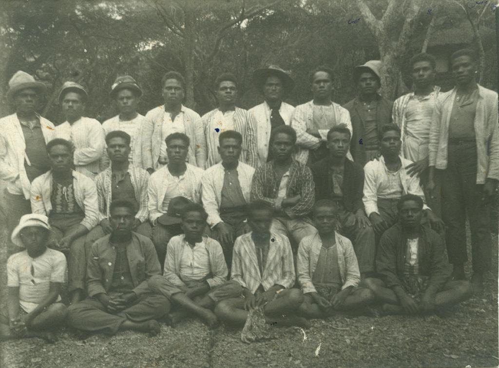 Jeunes garçons de Do-Néva