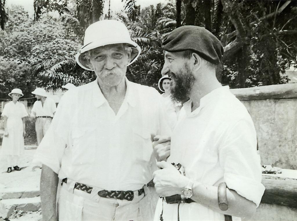 L'abbé Pierre rencontre le docteur Schweitzer / Yvonne Urban (1960-03)