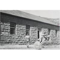 [L'atelier de sellerie-cordonnerie à Leloaleng]