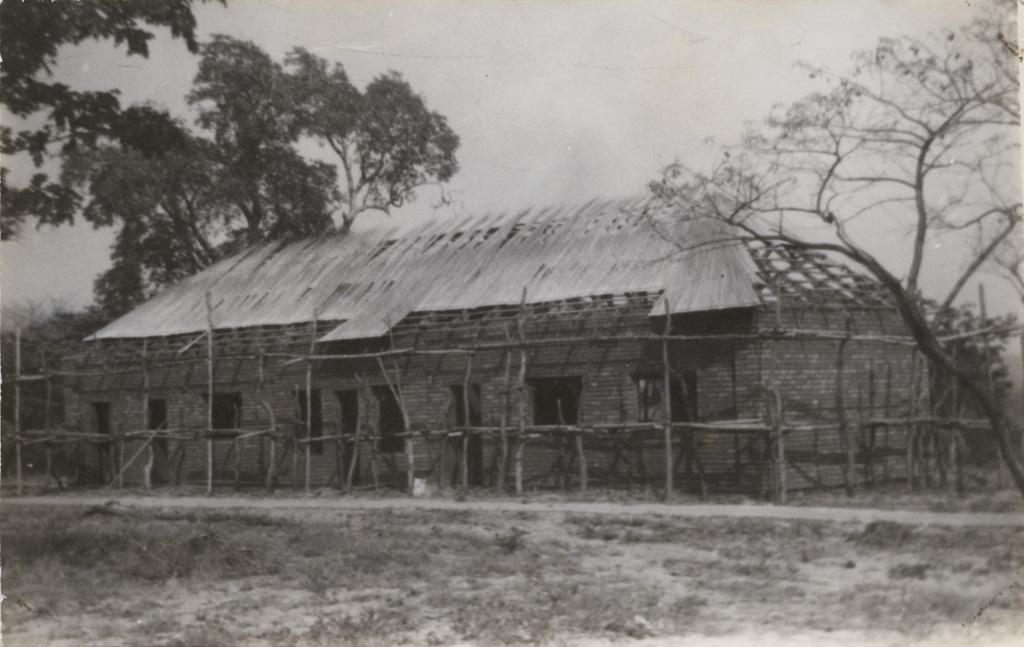 L'école biblique de Sefula en construction