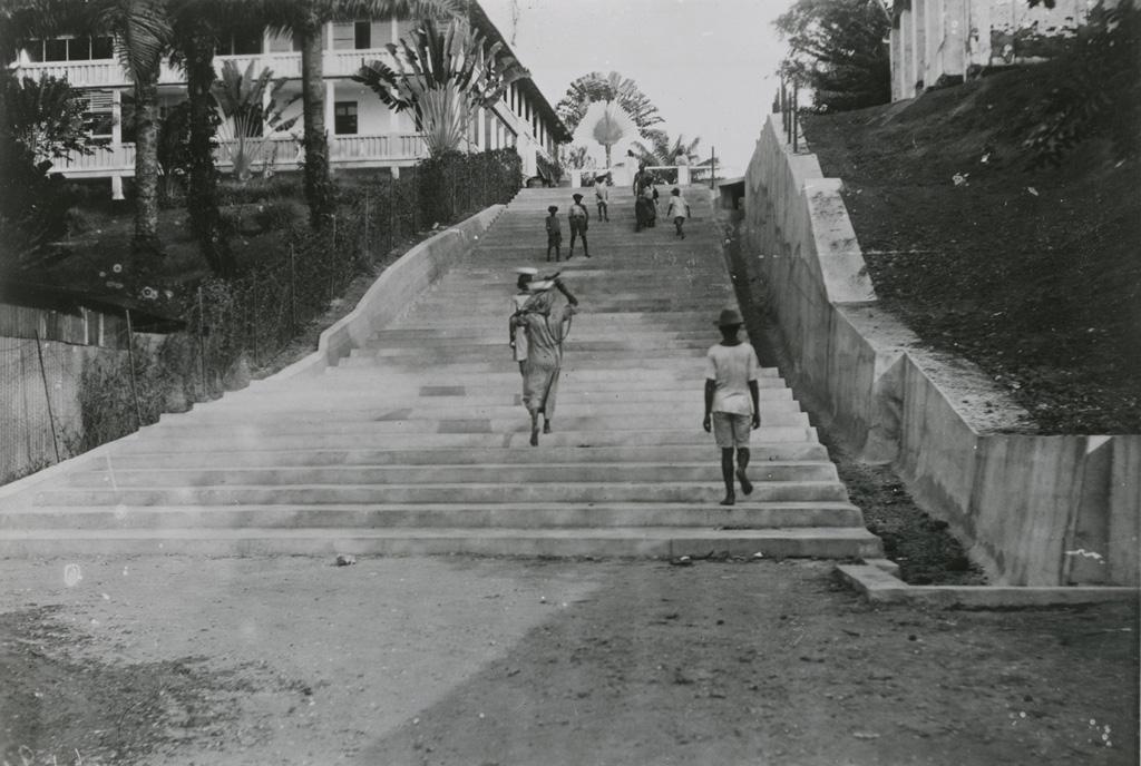 L'escalier conduisant au port de Douala