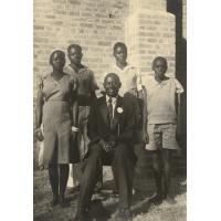 L'évangéliste Kornele et ses enfants (Monde, Steven, Inyase, Mwiya)