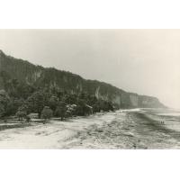 La falaise sur l'atoll de Makatea