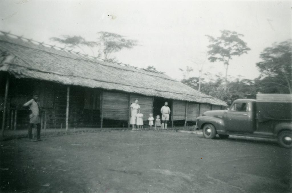La famille Gambier à la léproserie d'Oyem