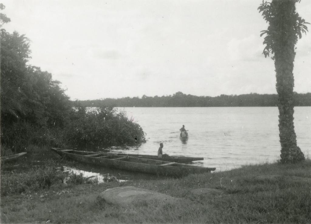 La rivière Como devant Kango