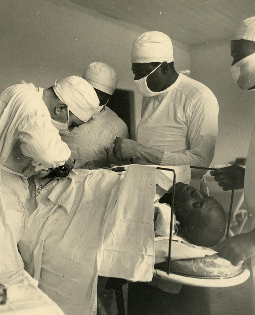 La salle d'opération, hôpital de Bangwa