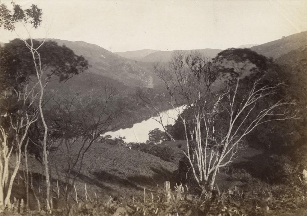 Le fleuve St John's river entre les montagnes, Afrique australe
