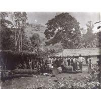 Le missionnaire Pierre Galland en tournée dans les annexes