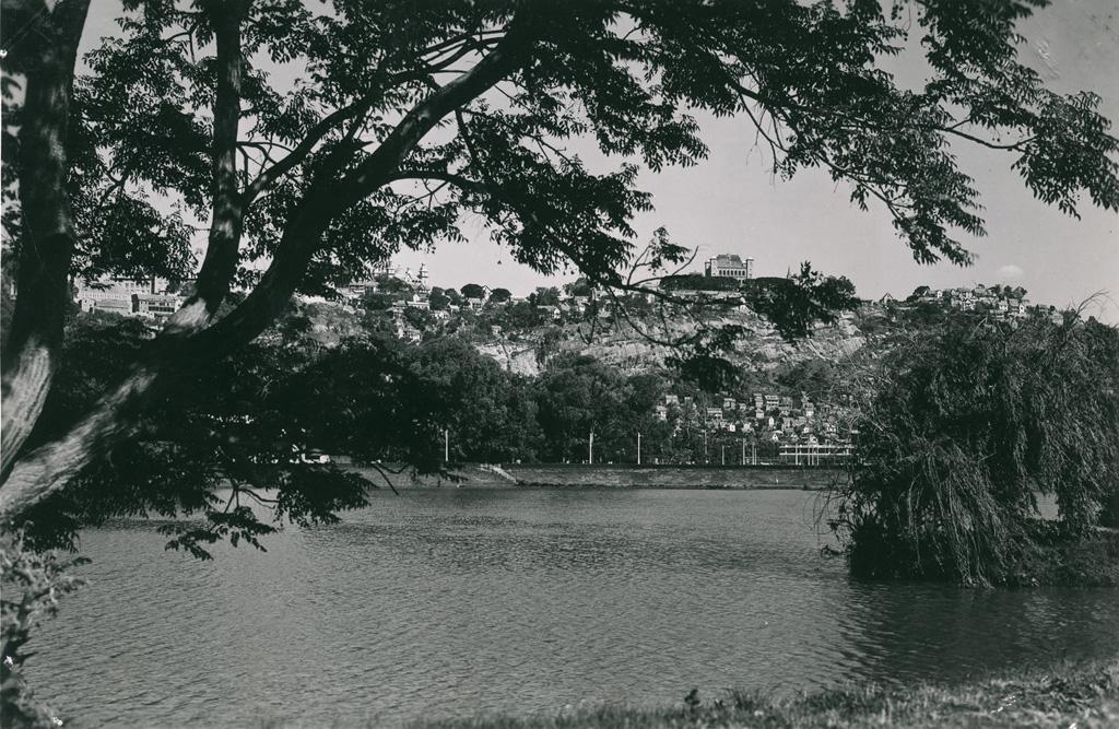 Le palais de la reine vu du lac Anosy