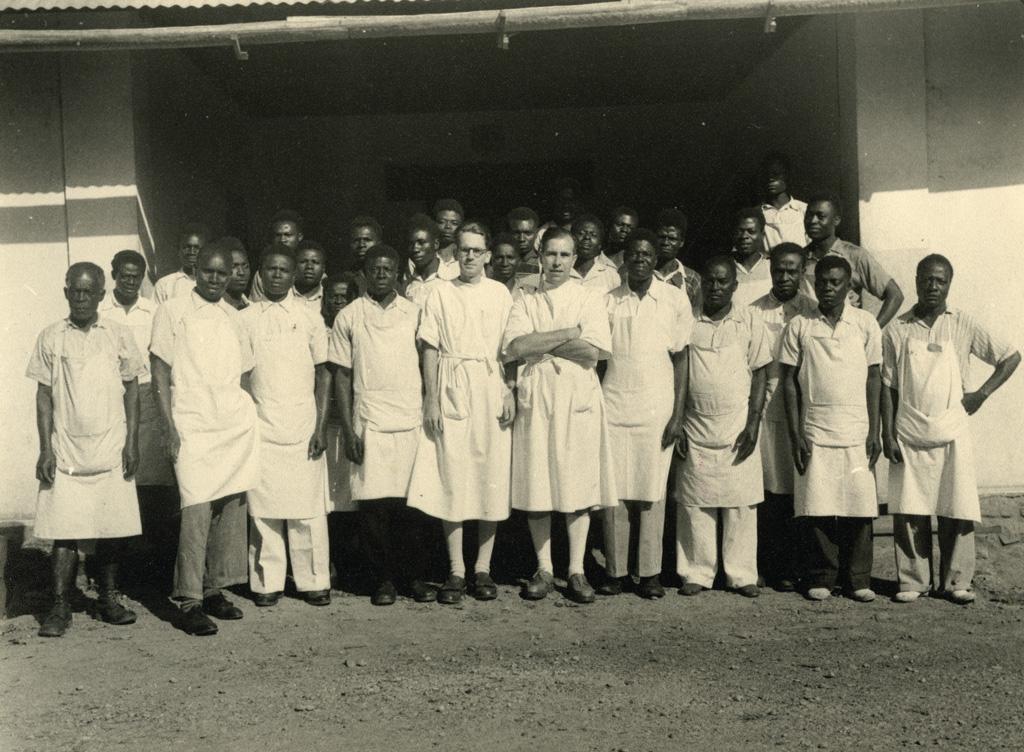 Le personnel de l'hôpital de Bangwa / non identifié (1940/1960)