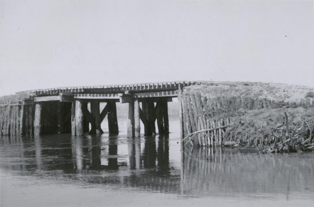 Le pont de la Noloka / Jean-Paul Burger