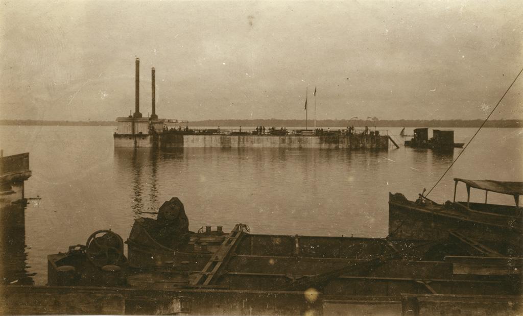Le port de Douala, le dock flottant