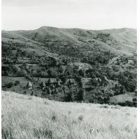 Le village de Bangou au pied du Mont Bana, pays Bamiléké
