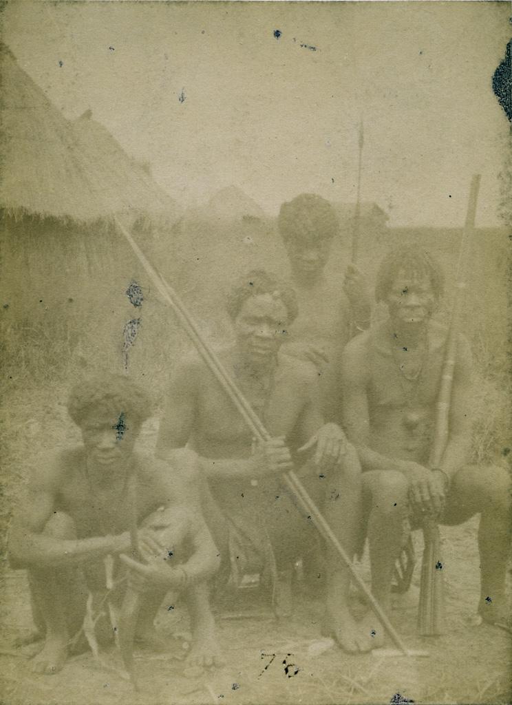 Léaluyi, groupe de Manyengos