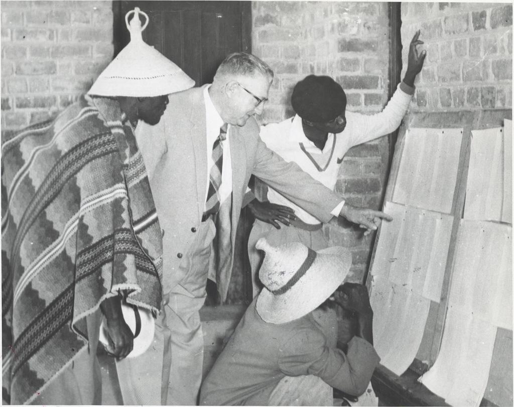 Les Bassoutos de toutes races avaient leurs noms inscrits sur des listes communes, pour la première fois en Afrique du Sud, lors des élections du 20 janvier 1960