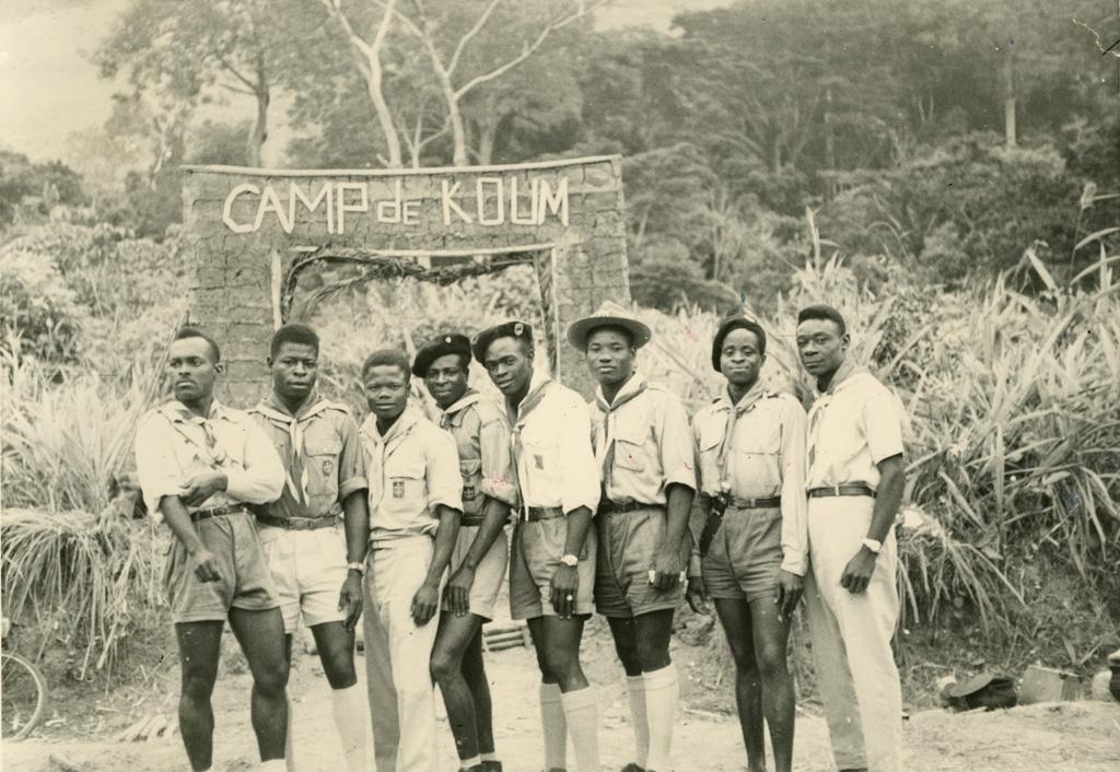 Les chefs du camp du scoutisme
