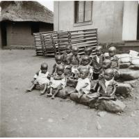 Les petites de la pouponnière de Bangwa