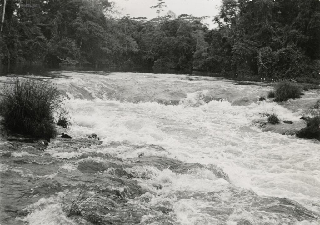 Les rapides de la Mvun à Ovan