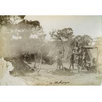 Leshoma, trois générations de Makuengo ou Boshimans