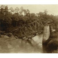Ligne de Douala à Eseka, pont sur la Kélé, détruit par les Boches