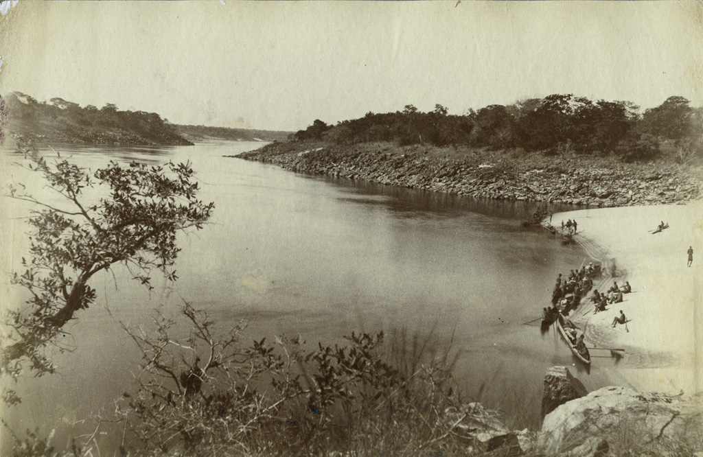Liyongore sous les chutes Ngonga