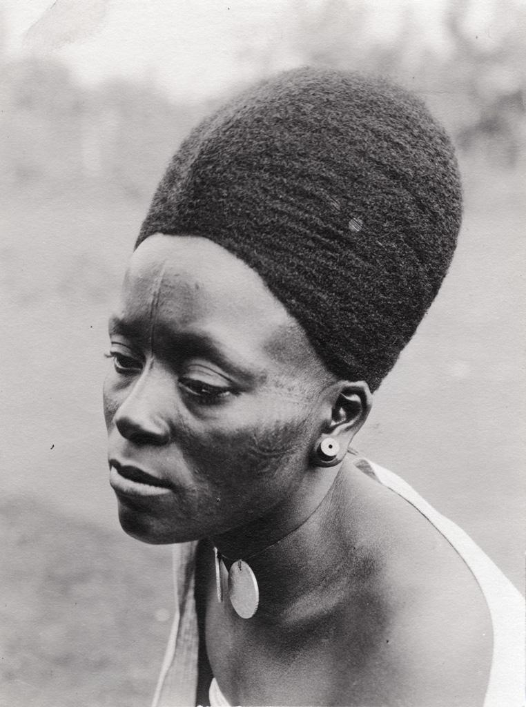 Lydia Mangwelu'ne, femme chrétienne de Foumban