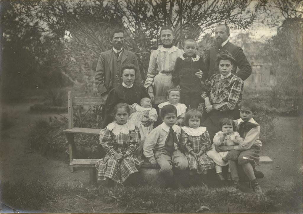 M. Galland, Melle Vidil, M. Gaignaire, Mme Gaignaire, Mme Galland