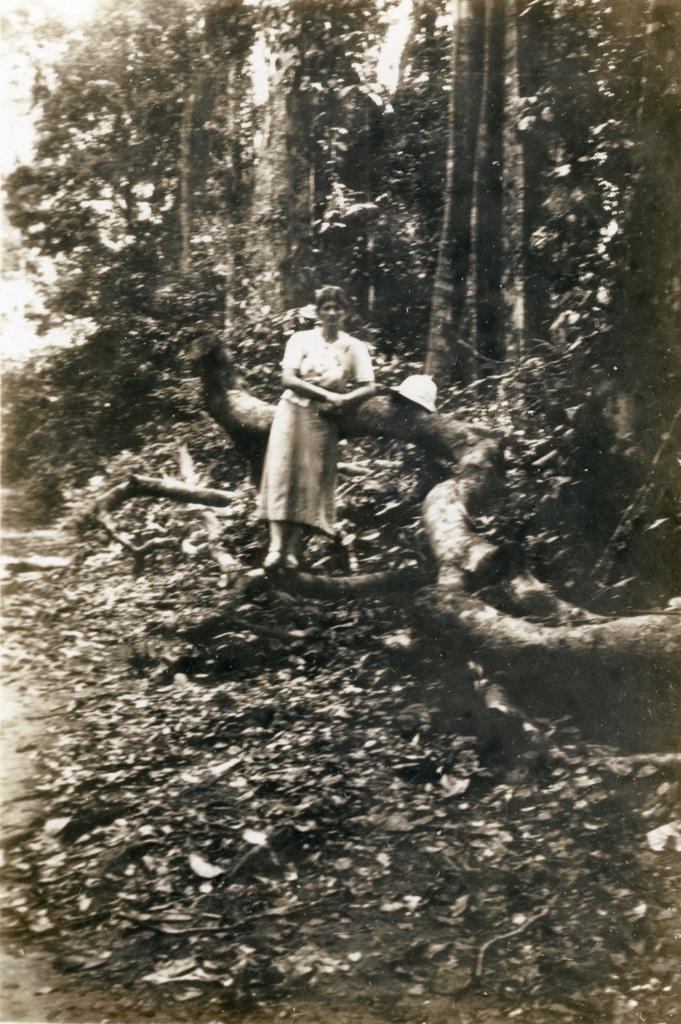 Madame Christen dans la forêt