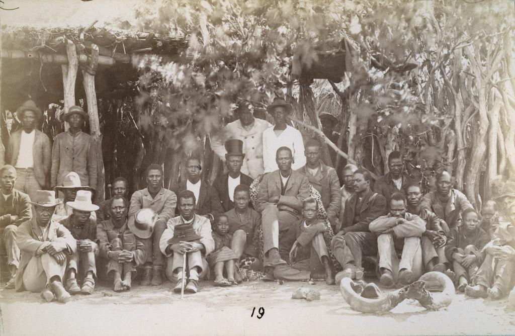 Mangwato, le chef Khama siégeant au lekhotla, la cour de justice ou le forum